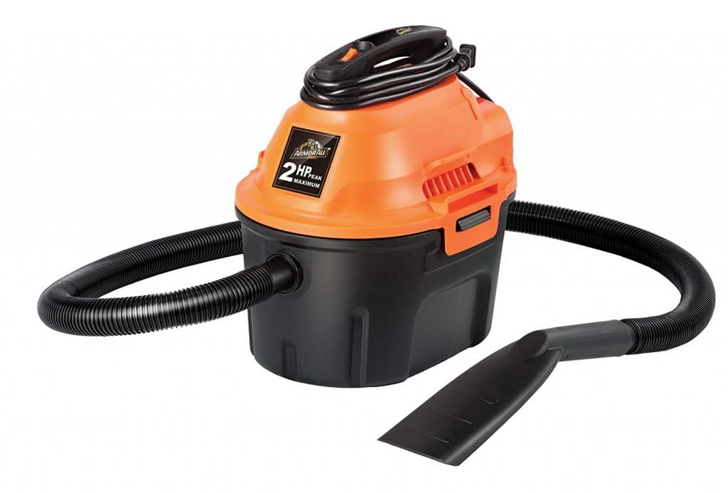Armor wet and dry utility vacuum cleaner with flexible hose